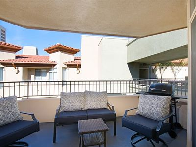 Lovely Condo with Courtyard Patio