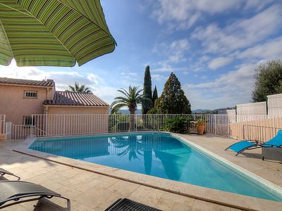 Photo for Vacation home Mimosas in Bormes-les-Mimosas - 8 persons, 4 bedrooms