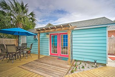Call this colorful studio home for your next 'Sunshine State' getaway!