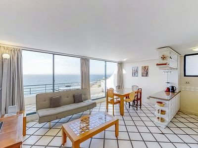 Photo for Depto frente al mar c/ piscina compartida - Oceanfront apt w/shared pool