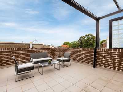 Photo for 2BR Apartment Vacation Rental in Rozelle, NSW