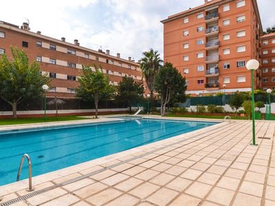 Photo for Club Villamar - Cozy apartment with access to a shared pool, located close to the center of Llore...