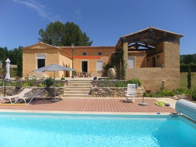 Photo for Spacious Provencal style villa with pool
