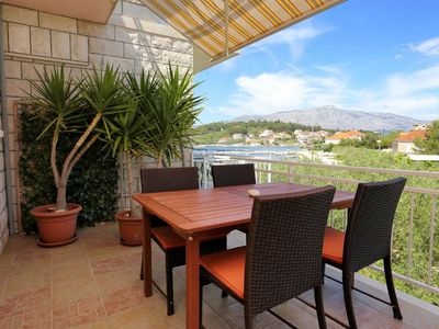 Photo for One bedroom apartment with terrace and sea view Lumbarda (Korčula)