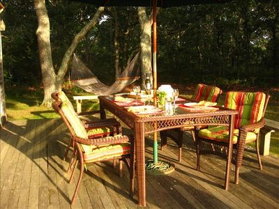 Large Deck / Webber gas  grill & all amenities for entertaining/ Hammock in yard