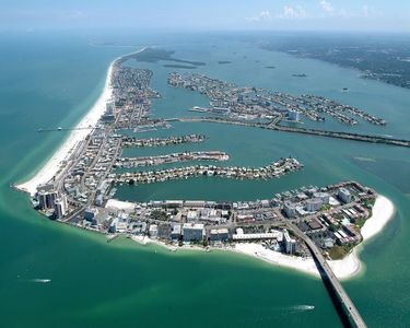 The famous Clearwater Beach, Florida.. Dont miss it...
