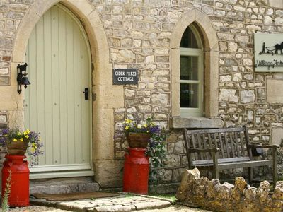 Photo for CIDER PRESS COTTAGE, family friendly in Bath, Ref 988857