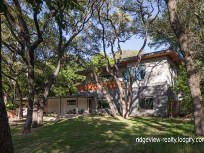 Photo for BOOK NOW for SXSW - private modern comfortable Perfect for SXSW