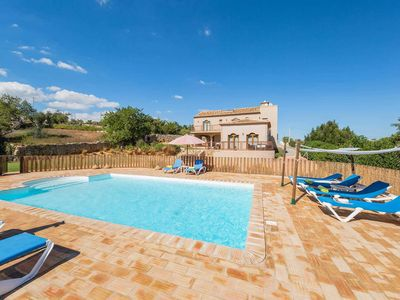 Photo for 4 bedroom Villa, sleeps 8 in Alcantarilha with Pool, Air Con and WiFi