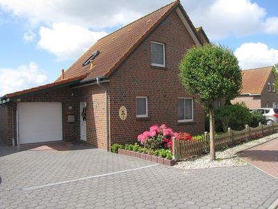 Photo for Semi-detached house in a quiet location in Ditzum with south terrace / garden and garage
