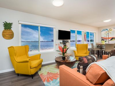 BEACHES ARE FULLY OPEN! BAYFRONT ONE BEDROOM SUITE ON THE WATER!