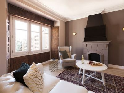 Photo for Casanovas 51 apartment in Eixample Esquerra with WiFi, air conditioning, private parking & lift.