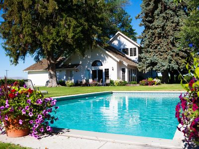 Photo for Beautiful, turn-of-the-century farmhouse located in Yakima wine country