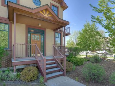 Beautiful, Fully Furnished Townhome Two Blocks from Main Avenue