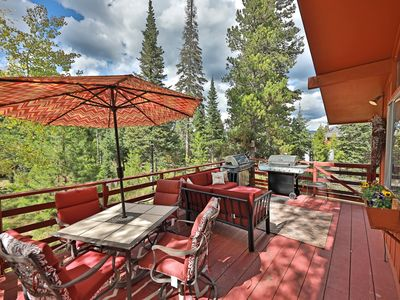 Photo for Red Pony. A Columbine Lake mountain retreat at the entrance to Rocky Mountain National Park