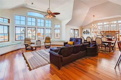 Surf-or-Sound-Realty-Shooting-Star-685-Great-Room-7