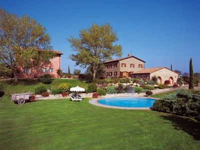Photo for 2 bedroom modern Tuscan apartment