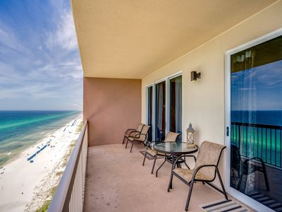 Photo for 20th-floor beachfront condo w/ picturesque Gulf views, shared pools, & gym!