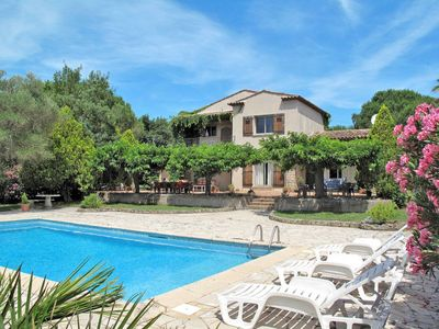 Photo for 4 bedroom Villa, sleeps 8 in Grimaud with Pool and WiFi