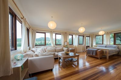 5 Star Riverfront Luxury In the heart of the Hastings Valley