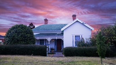 Photo for Home Away Stayz - Camellia Cottage
