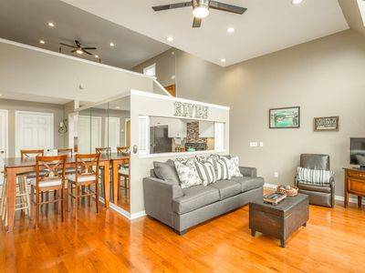 Photo for River Lights, Downtown Chattanooga Condo, 50% Down To Reserve.