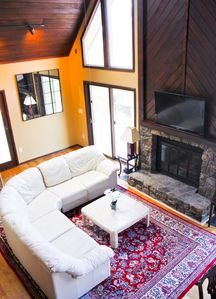 Photo for 4 Bedroom Mountain Retreat, Sleeps 12, New Hot Tub for 6, Pet-Friendly