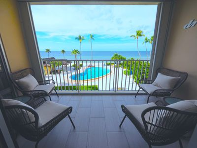 Photo for LUXURY Oceanfront Condo - Directly on the Beach and Pool - Gym, Library, Lobby, Rec Room!