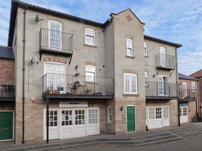 Photo for 14B CANAL WHARF, country holiday cottage in Ripon, Ref 30469