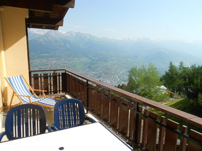 Photo for Standard 3* and 2-bedroom-apartment for 4 to 5 persons located next to the start of the cable car. L