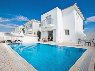 Photo for Villa Foros Tessera - Cozy 3 Bedroom Pernera Villa with Pool - Close to all Beaches and Amenities