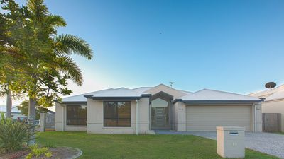 Photo for Modern Spacious Sunshine Coast\Mooloolaba Home