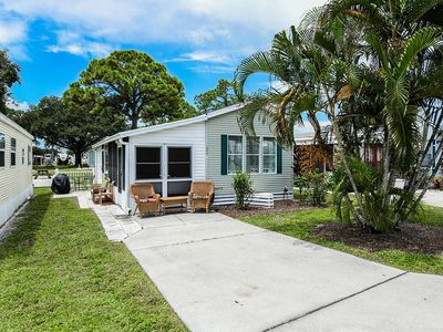 Photo for Cute Property in Sarasota Fl close to beach, amenities like pools