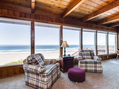Photo for Oceanfront house with easy beach access and fenced backyard!