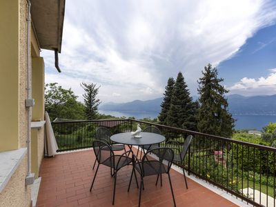 Photo for Bright with garden - Apartment San Zeno di Montagna