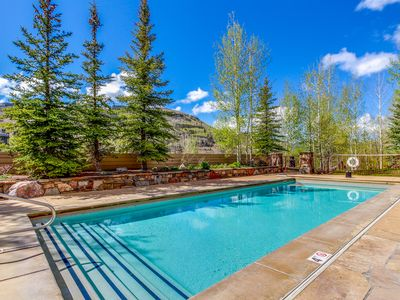 Photo for Beautiful condo w/ a shared pool & hot tub - close to the slopes & village