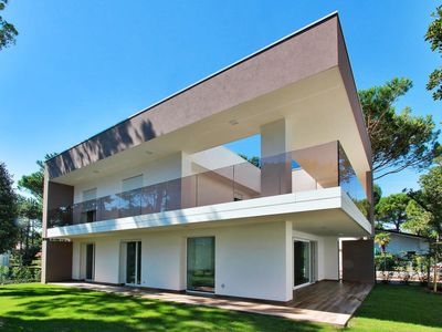 Photo for Vacation home Villa Summer (LIG720) in Lignano Pineta - 8 persons, 4 bedrooms
