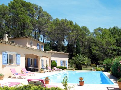 Photo for 4 bedroom Villa, sleeps 8 in Le Flayosquet with Pool and WiFi