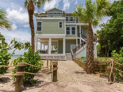 Photo for DAZZLING BEACHFRONT HOME PRIVATE POOL AND BREATHTAKING VIEWS OF THE GULF