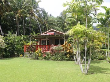 Quiet, Private Beachfront Cottage, One of the Few Cottages Set Far From Road