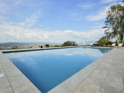 Photo for Private Villa with WIFI, hot tub, A/C, private pool, TV, patio, panoramic view, close to Arezzo