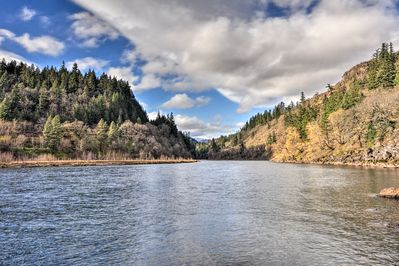 You'll have direct access to the White Salmon River.