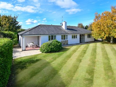 Photo for Not only does this detached bungalow sit in a highly desirable location close to Abersoch and Aberso