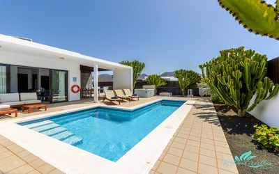 Photo for A well appointed, modern, 5 bedroom villa, sleeps up to 12 guests