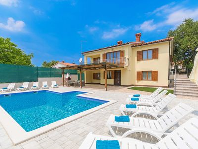 Photo for A private and fenced pool villa near the sea