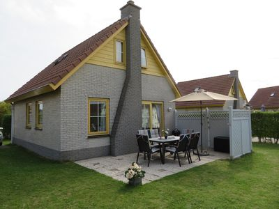 Photo for Family friendly holiday home for up to 6 people right on the North Sea