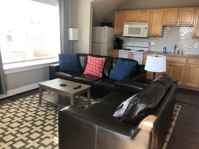 Photo for Private  Carriage House w/ full kitchen, close to Louisville/Boulder