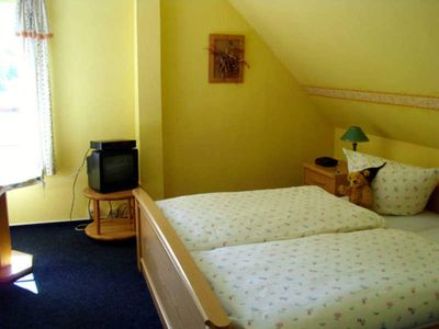 Photo for Double Room - Family-friendly guesthouse with leisure activities