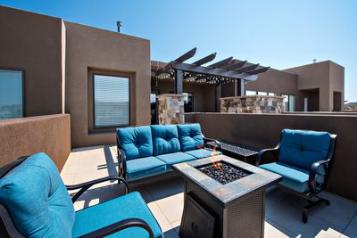 Patio Furniture and Fire-pit - Stay warm next to the fire-pit and relax while watching the sunset over the red mountains.