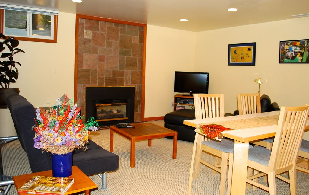 Vacation or business seattle city retreat kirkland puget for Mother in law apartment for rent near me